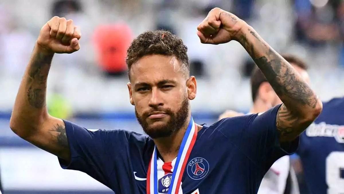 Neymar comemorando, um dos jogadores com maior salário