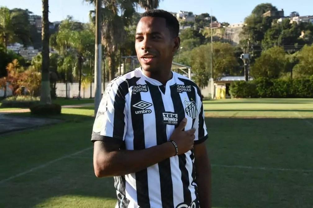 Ao menos por enquanto, Robinho não vestirá mais a camisa do Santos. Foto: divulgação/Santos FC