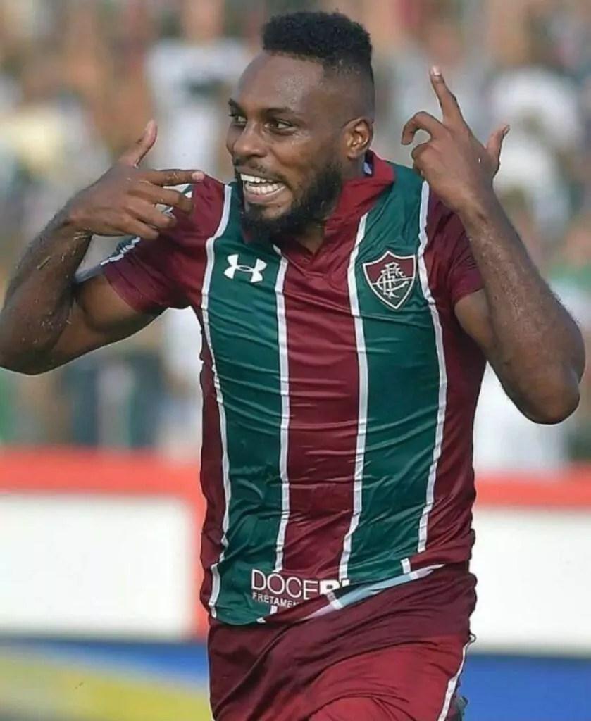 Imagem mostra zagueiro do Fluminense, Luccas Claro.