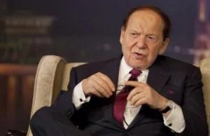 Foto do empresário Sheldon Adelson em matéria sobre pessoas pobres que ficaram ricas