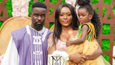 sarkodie and family - Photos & Video: Sarkodie and Tracy arrives in Ghana with a Newborn Baby