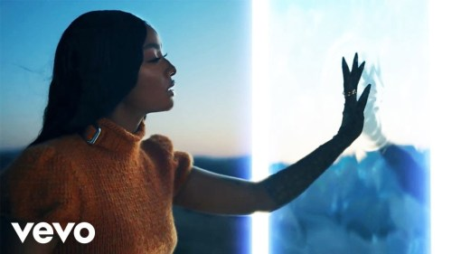 Justine Skye 500x281 - Justine Skye Delivers Visuals For Rema Assisted 'Twisted Fantasy'