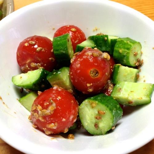 プチトマトとキュウリのサラダ
