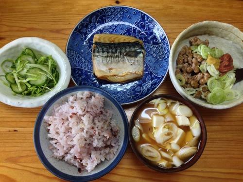 鯖納豆えごま油朝食