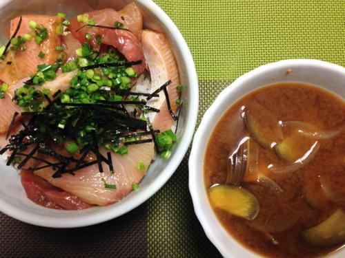 th_ブリ丼