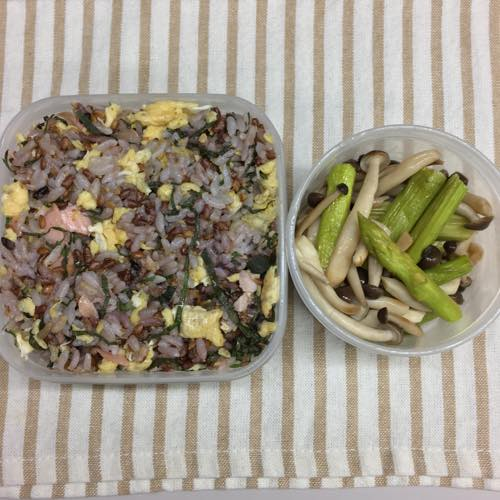 th_鮭卵混ぜご飯弁当