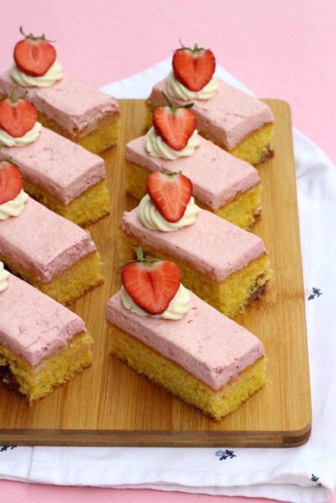 aardbeienbavarois cake