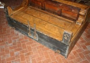 4. Pianoforte verticale Reogh, London 1890, deformazione ruote