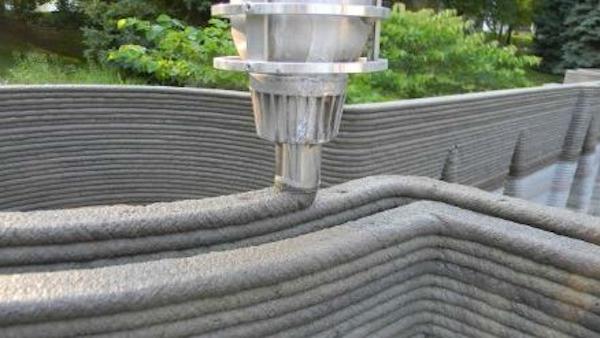 3d betonprinter aan het werk