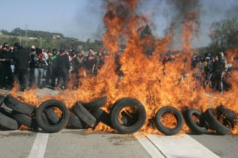 https://i0.wp.com/www.deaceboyjara.com/wp-content/uploads/2012/05/Protestas-en-Asturias.jpg?resize=770%2C513