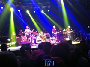 RT @EventerMom: #furthur brown eyes woman http://t.co/wbVbF9w9