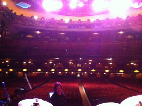 @setjeff  The beautiful Fox Theater in St. Louis before check. @furthurband @TheFallRisk @deadheadland @thedeadblog http://pic.twitter.com/lZISBaXD
