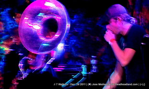Kirk Joseph and Matt Hubard - ♫ 7 Walkers - Dec. 29 2011 | (♥) Jose Mediavilla for Deadheadland.com | (~);}