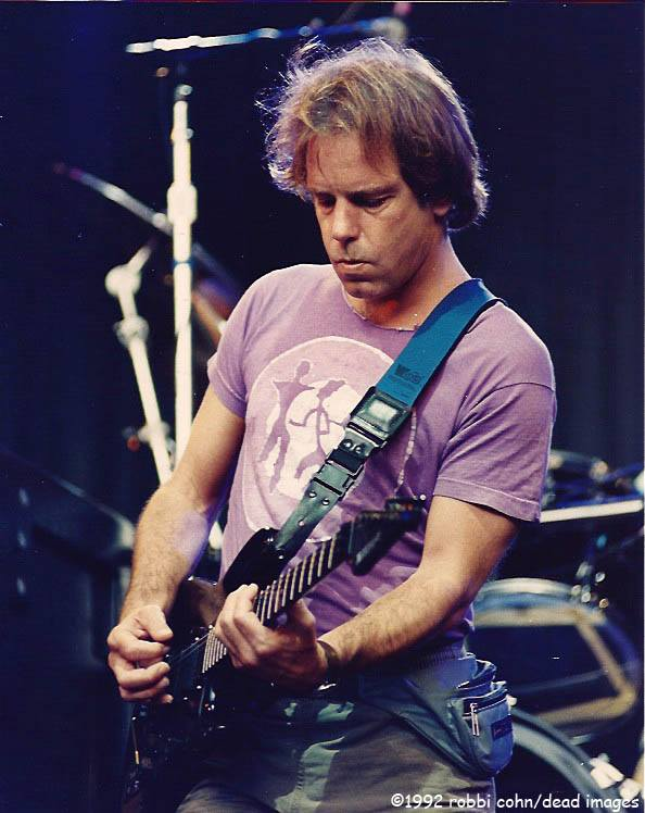 Bob Weir  and Grateful Dead 19920524 ©RobbiCohn Deadimages (3)