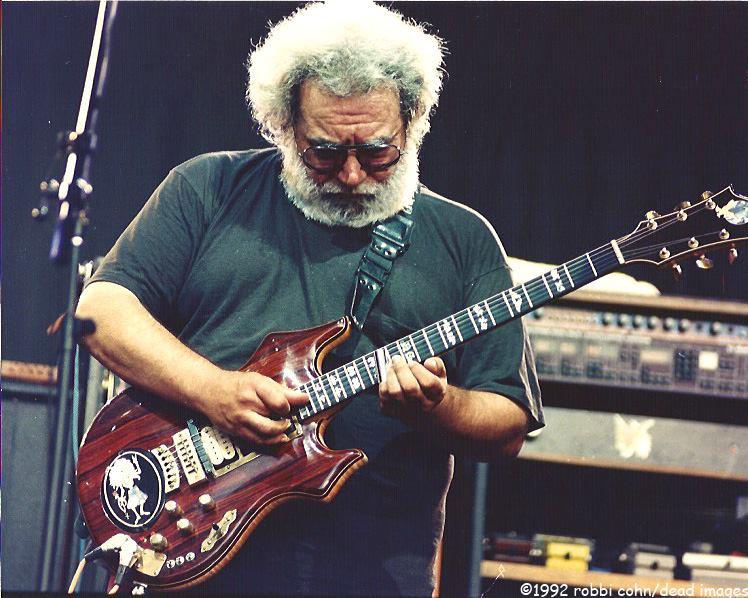 Jerry Garcia and Grateful Dead 19920524 ©RobbiCohn Deadimages (2)