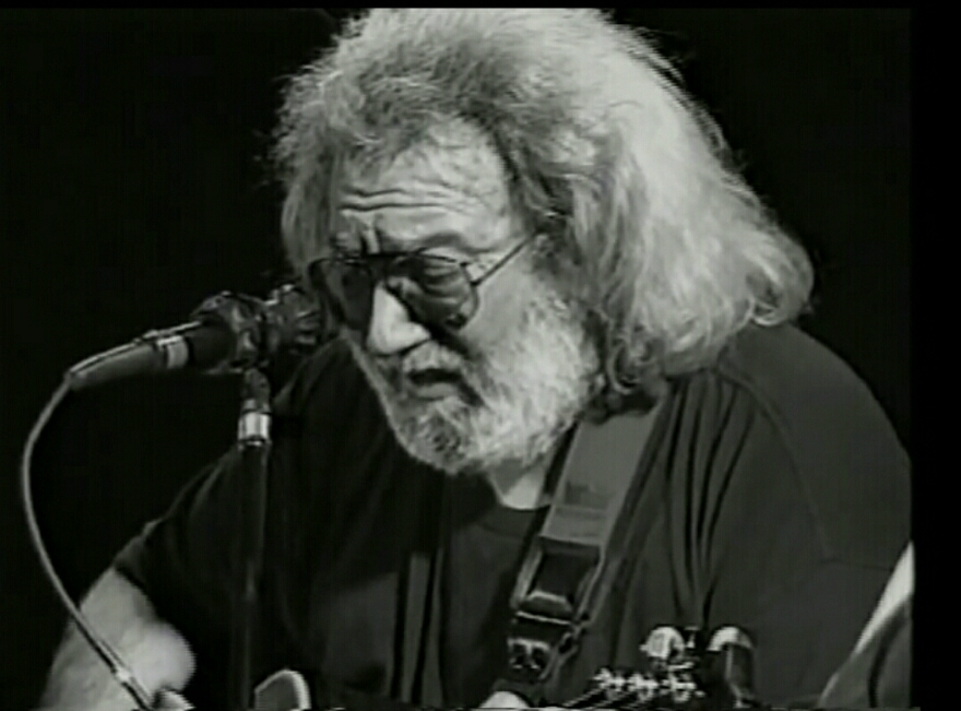"VIDEO: Jerry Garcia , Phil Lesh & Bob Weir ""She Belongs To Me"""