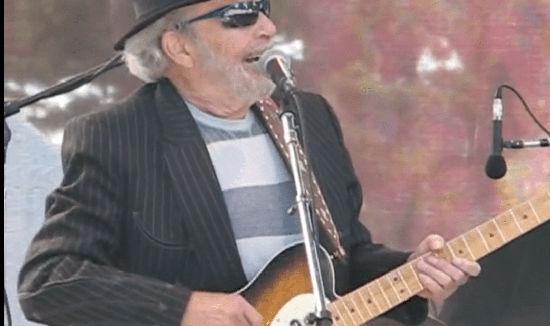 "Merle Haggard and Kris Kristofferson ""Okie From Muskogee"" at Hardly Strictly Bluegrass Festival 2011"