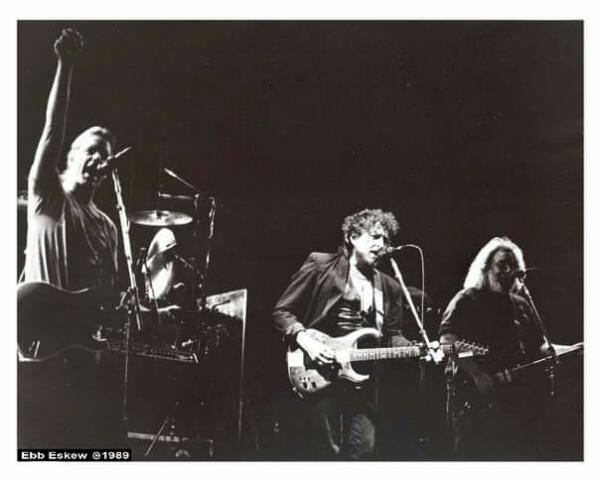 Bob Dylan w the Grateful Dead at the Los Angeles Forum 2-12-1989, photo ???? by Ebb Eskew