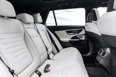 Mercedes-Benz-Clase-C-2022-deagenciapa.com-002