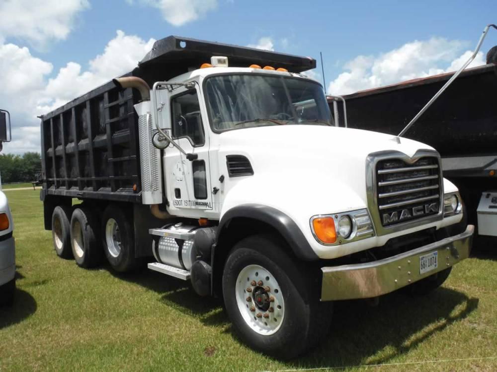 medium resolution of 2006 mack cv713 tri axle dump truck s n 1m2ag11c26m30841 mack 370hp eng 10 sp camelback susp ox bodies 16 bed 200 mi on rebuilt eng