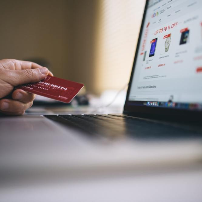Benefits of Online Clothes Shopping