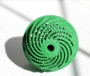 ecologisch wassen met een bal