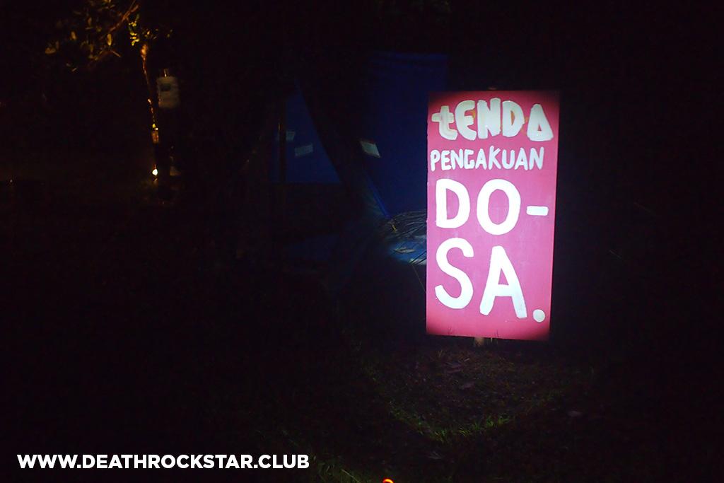 tenda_pengakuan_dosa