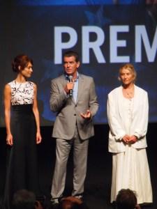 Olga Kurylenko, Pierce Brosnan et Beau St. Clair © Anne-Sophie Rivereau