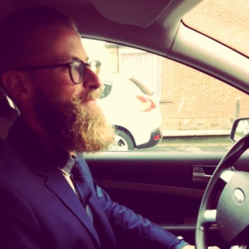De baard van Kenny Mathees