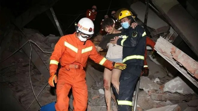 china hotel collapse ap 1.jpg 143013958 - Hotel que alojaba enfermos en China colapsa, dejando 70 atrapados - #Noticias