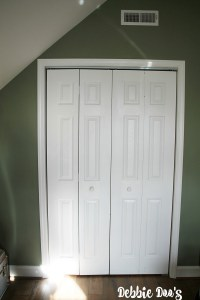 How to paint a plain white door to look like wood - Debbiedoos