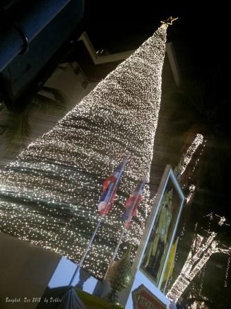 金光閃閃的聖誕樹