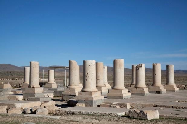 帕薩爾加德宮殿的一部份-柱廊