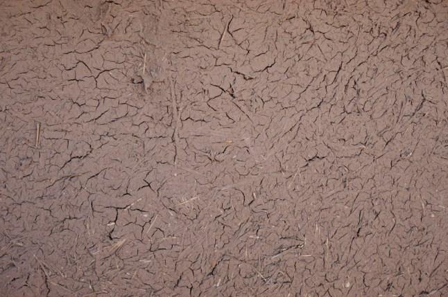 古城牆全用了土和稻草做成的磚頭建成