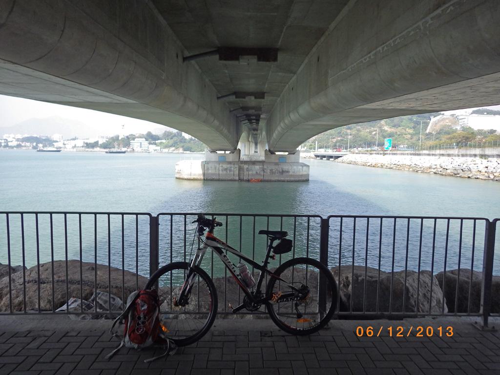 大㰖迴旋處橋底