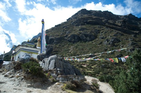 Going up to Thame Gompa