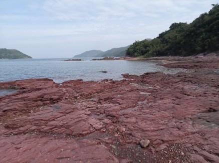 火紅海岸紅石門