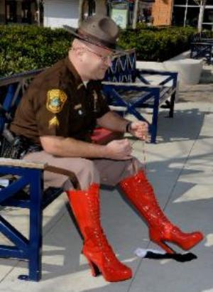 https://i0.wp.com/www.debbieschlussel.com/wp-content/uploads/2012/04/sheriffmileinhershoes.jpg