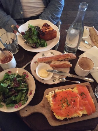 Petit Dejeuner a Le Cler