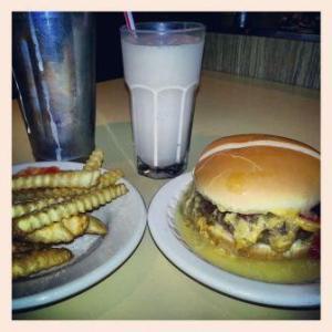 Solly's burger