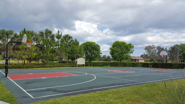 Marbella Lakes Outdoor Sports Court