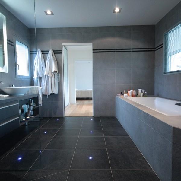 Maison contemporaine salle de bain