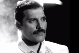 Freddie Mercury – The Show Must Go On