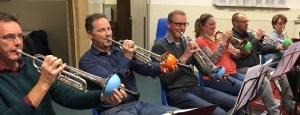 Broederband-Trompetsectie_plungers