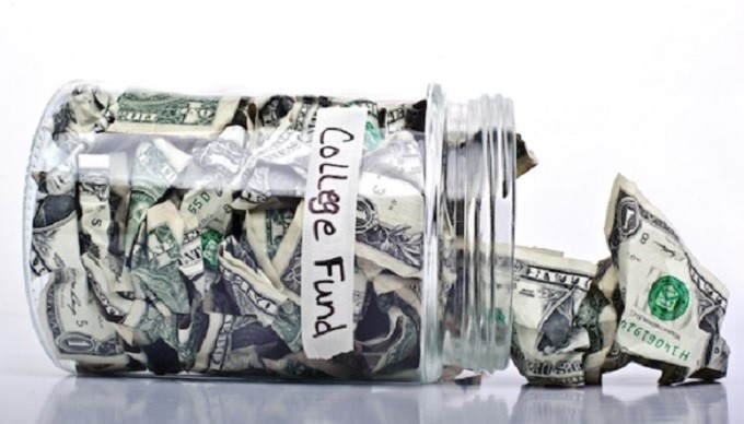 3 Ways to Cut Back on College Expenses