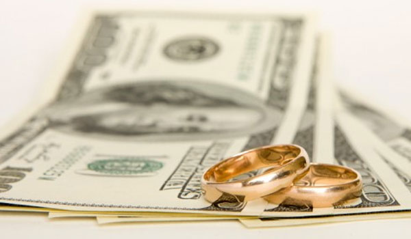 Should I wait until after my divorce to do a debt consolidation?