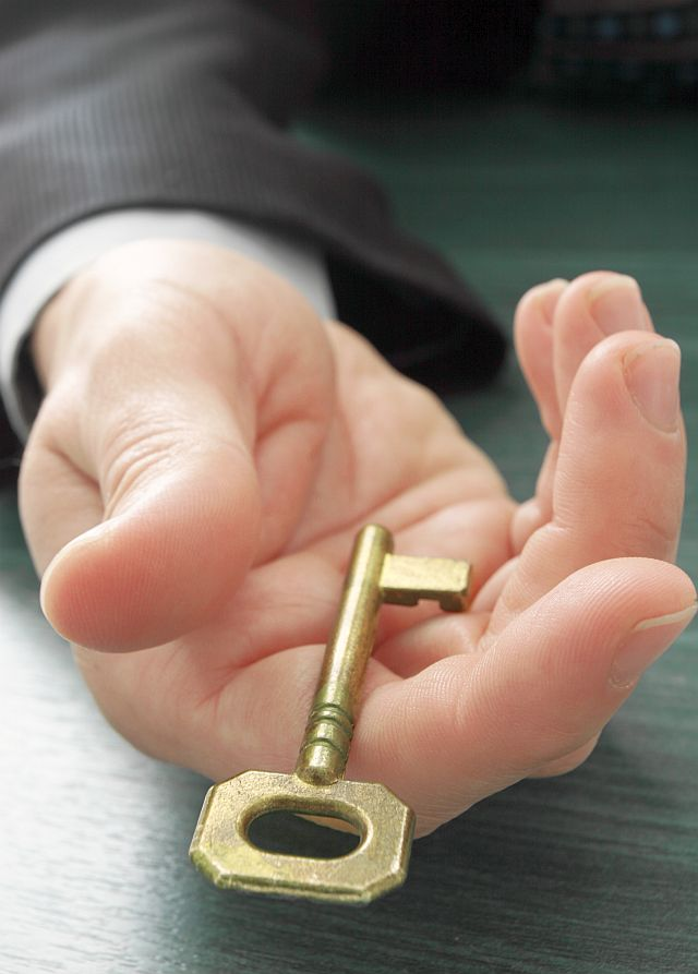 Real Estate Agents Offer to Payoff Clients Homes Within 90 Days!