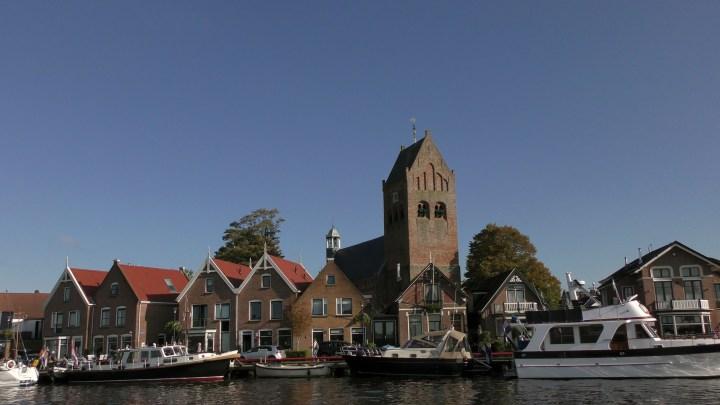 Grou kom je tegen tijdens de vaarroute Rondje Noord-Nederland / Van Grou naar Leeuwarden - De Canicula