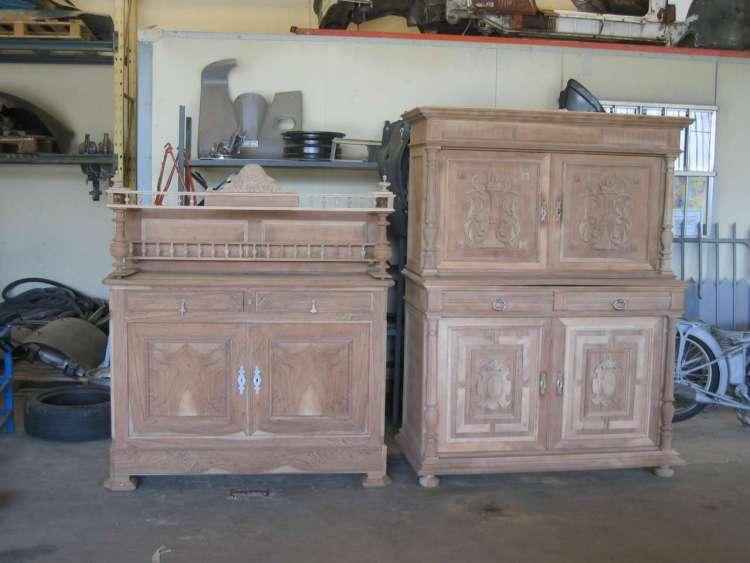 prestation de décapage de meuble avec ornements (sculpture et moulure)