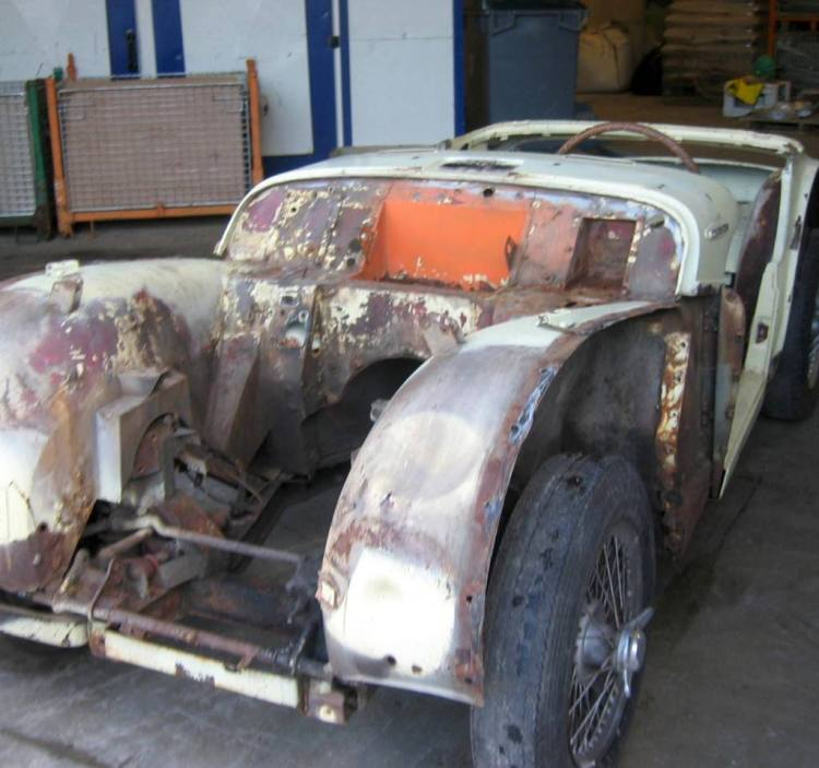decapage sablage chassis carrosserie triumph tr3 vienne